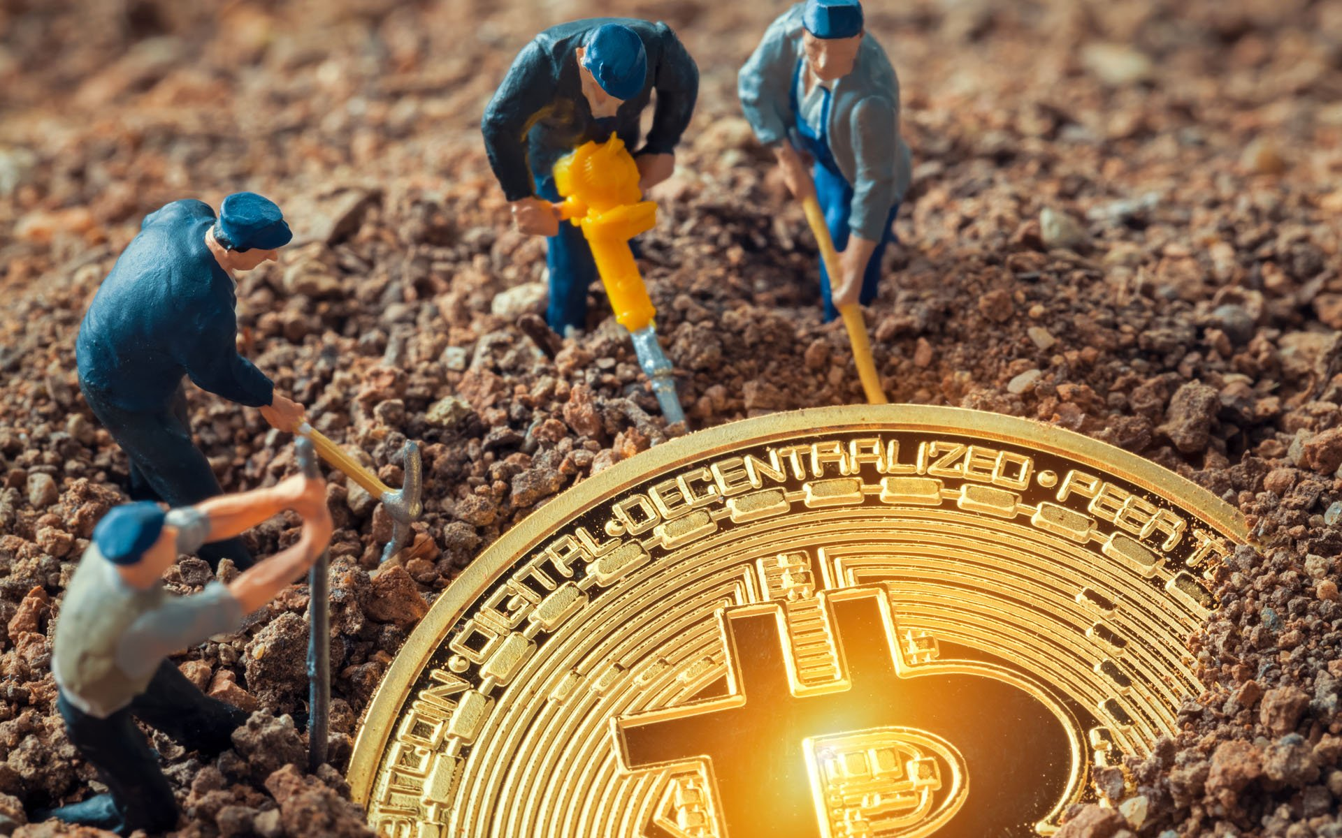 CRYPTOCURRENCY MINERS IGNORE THE BITCOIN PRICE FALL, FOCUS ON EXPANSION INSTEAD